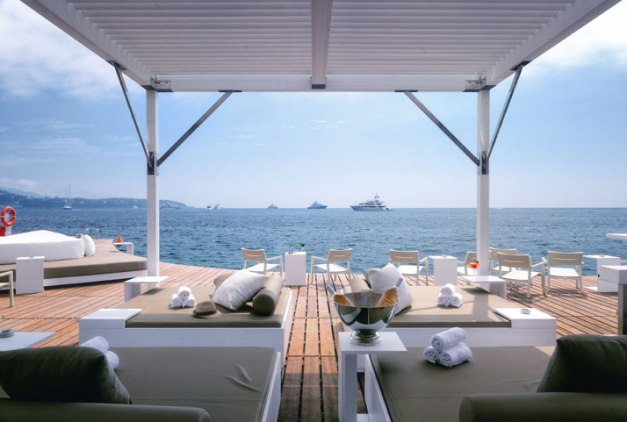The-New-Floating-Terrace-at-the-Monaco-Life-Club-Humbert-Poyet-yatzer-10