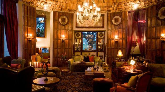 003160-09-lounge