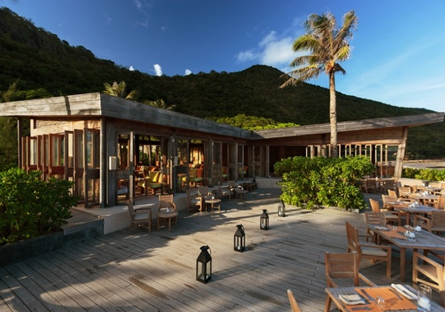 640x450_05_restaurant_by_the_beach_exterior