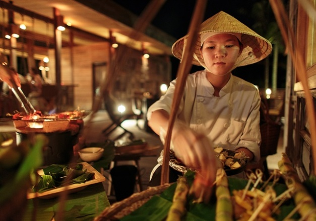 640x450_13_vietnamese_night_at_the_market